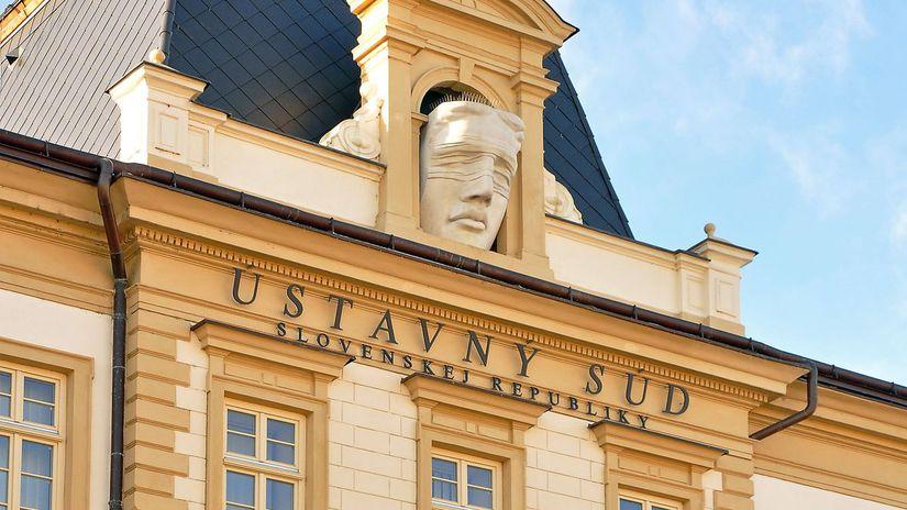 Bžánova kancelária sa sťažuje na Ústavný súd pre štátom blokované peniaze - Domáce - Správy - Pravda.sk