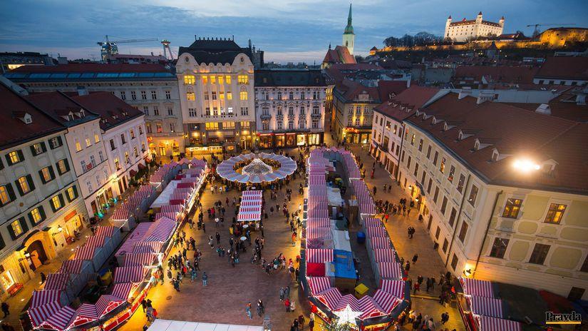 25c9a2bab Na Hviezdoslavovom námestí v Bratislave sa dnes začnú vianočné trhy ...