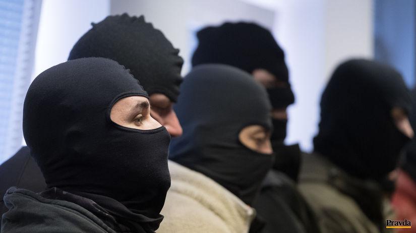 NAKA zadržala v Banskej Bystrici rozhodcov aj zástupcov futbalových klubov - Domáce - Správy - Pravda.sk