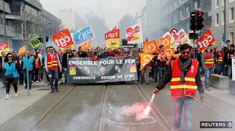 Výsledok vyhľadávania obrázkov pre dopyt Žlté vesty protesty vo francúzsku