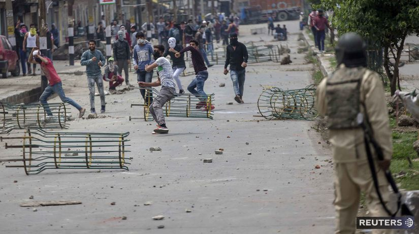 1e3177f49e V Kašmíre sa opäť bojuje