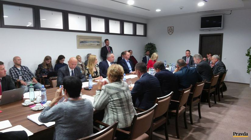 Prezident podľa výboru porušil ústavný zákon - Domáce - Správy - Pravda.sk