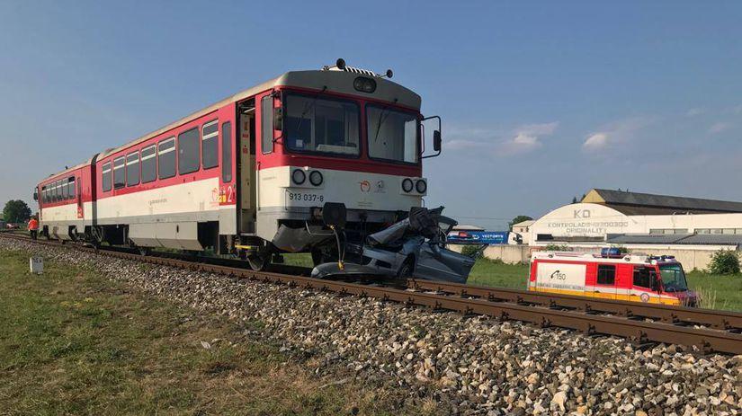 725d08cf66 Mladý vodič zomrel po zrážke s vlakom v Bánovciach nad Bebravou ...