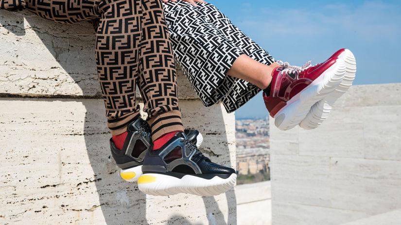 Luxus sa nosí aj v športovej móde  Tenisky za pár stoviek eur  Sú hit! -  Krása a móda - Žena - Pravda.sk 2129caa73bc