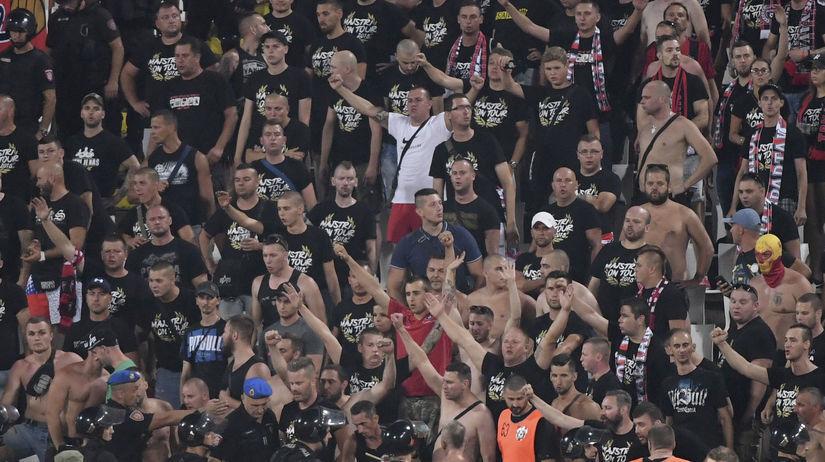 1078ae05a Kosovo je Srbija, volali Trnavčania v Belehrade. Látal sa bojí ...