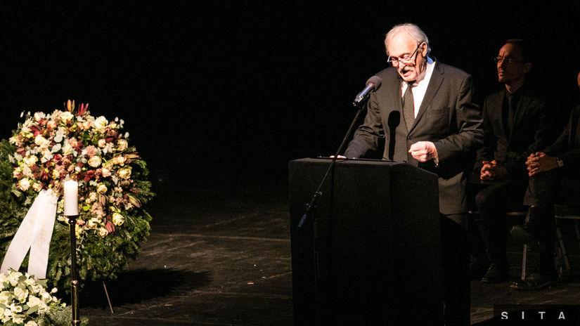 Slovenská divadelná verejnosť sa rozlúčila s Mariánom Geišbergom ... a81daaf3e3