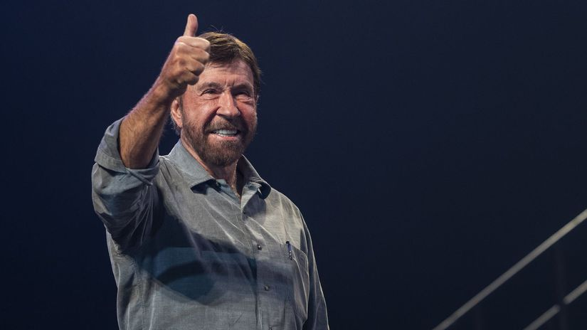 Chuck Norris Prisiel Do Budapesti Na Charitativnu Akciu Orban Mu