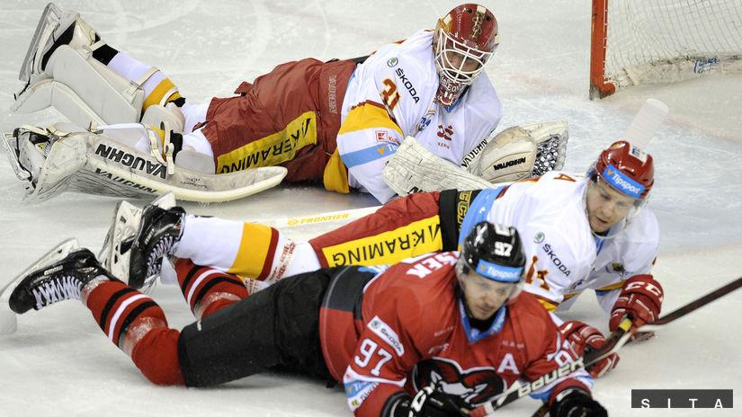 947a9babe7b6d Trenčín predviedol veľký obrat proti majstrovi, Žilina stopla Miškovec -  Extraliga - Hokej - Šport - Pravda.sk