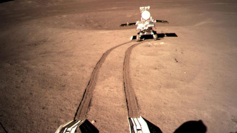 Nefritový králik 2 už jazdí po  temnej  strane Mesiaca - Vesmír - Veda a  technika - Pravda.sk c3d56f1dc51