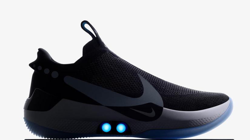 Tenisky Nike sa zašnurujú bez pomoci a pripojíte ich aj k mobilu -  Technológie - Veda a technika - Pravda.sk 34fa5030749