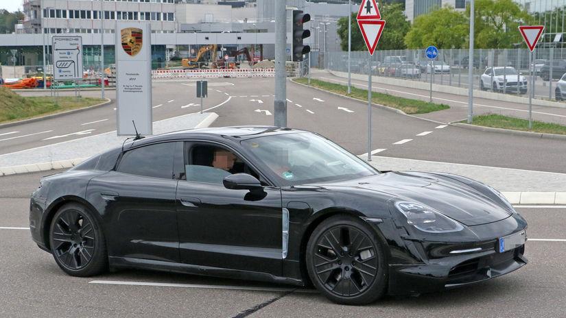 0ea499439 Porsche: Dopyt po Taycane je vysoký. Automobilka zdvojnásobí výrobu -  Magazín - Auto - Pravda.sk