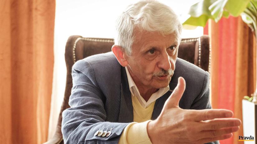 Dzurinda odmieta, že by počas svojej vlády rozhodoval v prospech finančnej skupiny - Domáce - Správy - Pravda.sk
