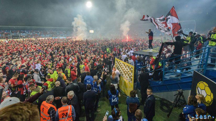 8c48d086a6 V Nitre počítajú škody. Len spisovať ich budeme dva dni - Ostatné - Futbal  - Šport - Pravda.sk