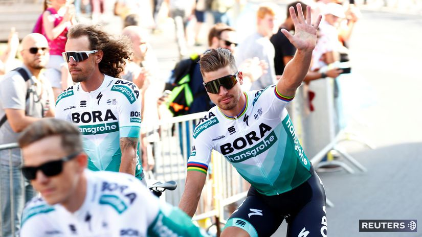 b9911022b4641 Peter Sagan. Cyklistov vrátane Petra Sagana vítali pred štartom Tour de  France tisícky fanúšikov. Autor: Reuters, FRANCOIS LENOIR