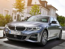 BMW 330e Sedan: Plug-in hybrid prejde na...