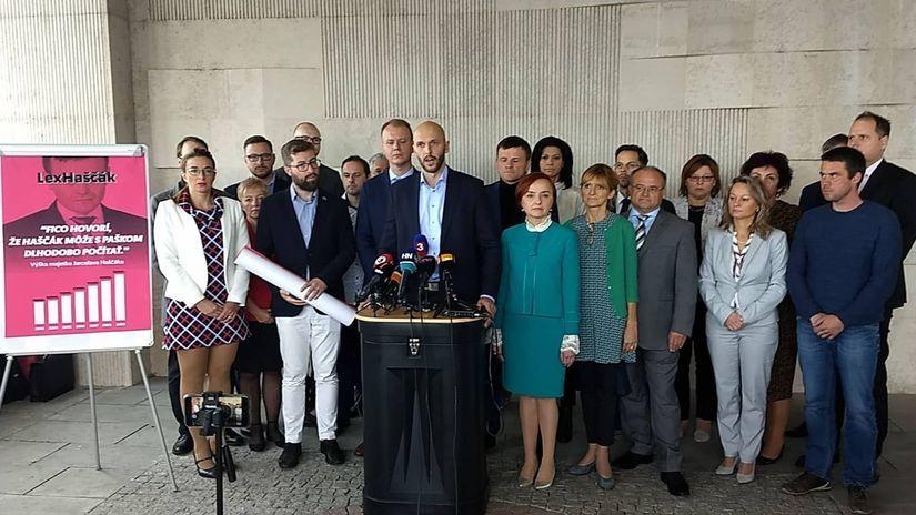 Truban, Beblavý a Hlina organizujú vo štvrtok protest pred Haščákovým domom - Domáce - Správy - Pravda.sk