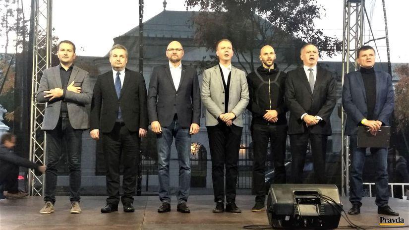 Kiska pred úradom vlády hovoril o ukradnutom a mafiánskom Slovensku - Domáce - Správy - Pravda.sk