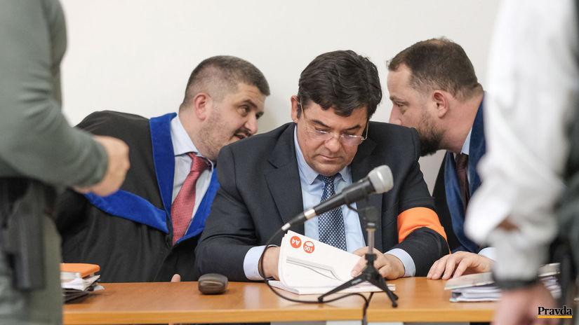 Súd si vyžiadal originály zmeniek, znalci budú vypovedať v novembri - Domáce - Správy - Pravda.sk