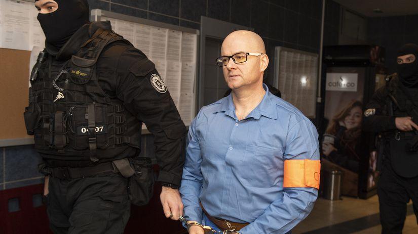 Klinku odsúdili za lúpež v dome zavraždeného advokáta Valka na osem rokov - Domáce - Správy - Pravda.sk