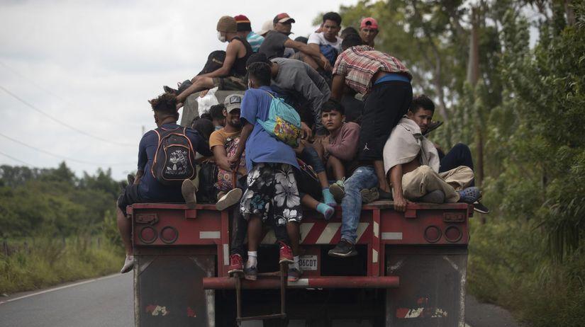 Guatemala poslala späť do Hondurasu takmer 3500 migrantov smerujúcich do USA - Svet - Správy - Pravda.sk