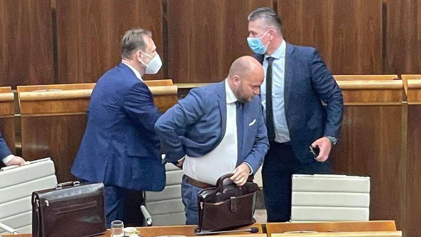 Mikulec opäť o Lučanskom a záhadných 'oni': Chceli, aby robil veci, čo nechcel - Domáce - Správy - Pravda.sk