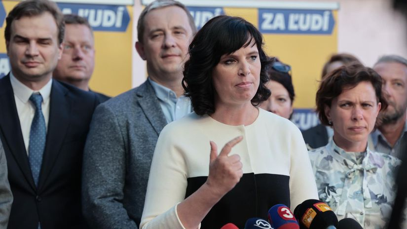 Za ľudí dementovala slová Pčolinského o odchode dvoch jej poslancov do KDH - Domáce - Správy - Pravda.sk