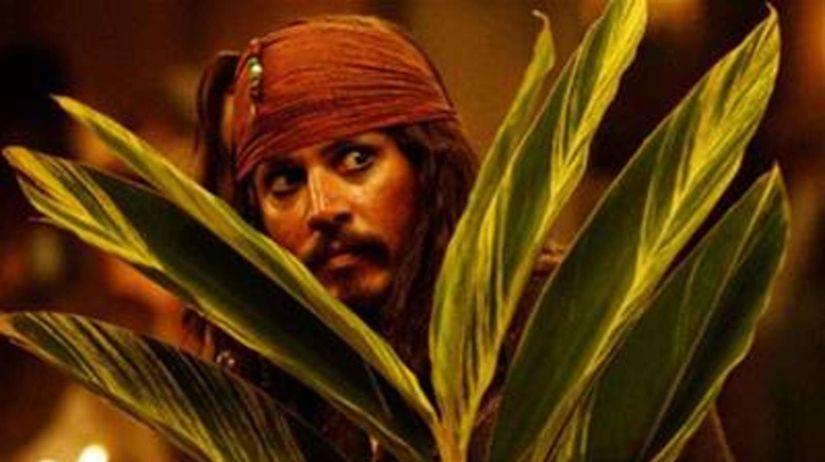 Piráti z Karibiku: Truhlica mŕtveho muža -...