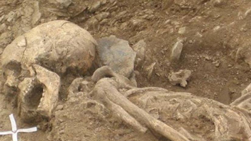 Hrob milencov, Archeológ