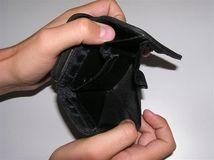 Peňaženka, nezamestnanosť, hmotná núdza