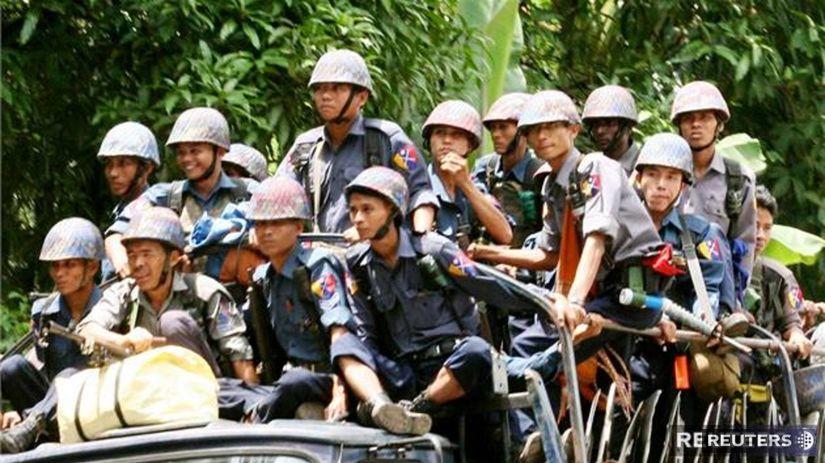 Barmsk dievat utekaj pred nsilm do kltorov