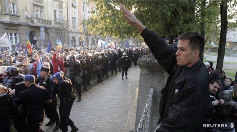 Príslušník srbskej neonacistickej skupiny...