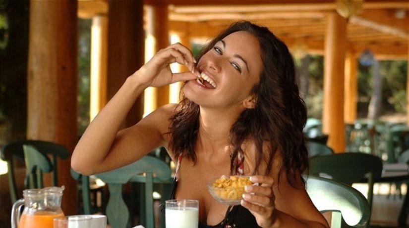 žena - maškrtenie - raňajky - strava - zdravie...