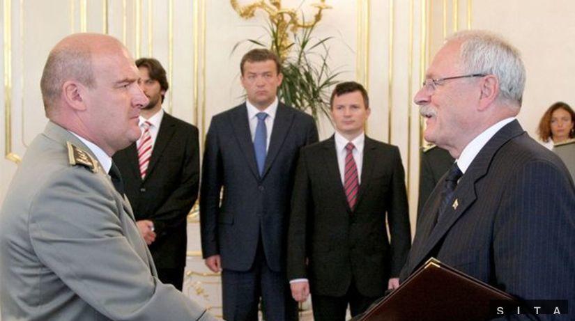 Prezident vymenoval 12 generálov