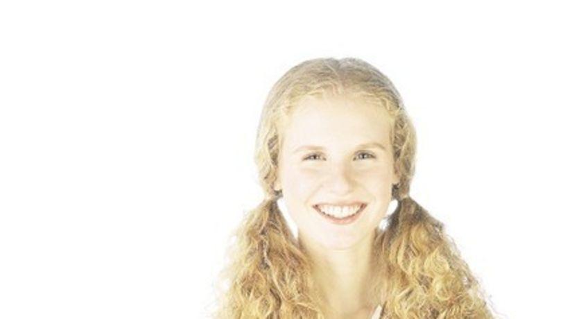 svetlá pokožka - žena - úsmev - blondínka -...