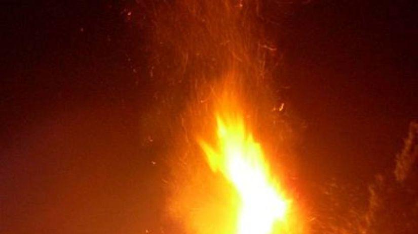 Oheň, požiar, plameň, plamene