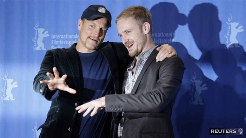 Woody Harrelson (vľavo) a Ben Foster