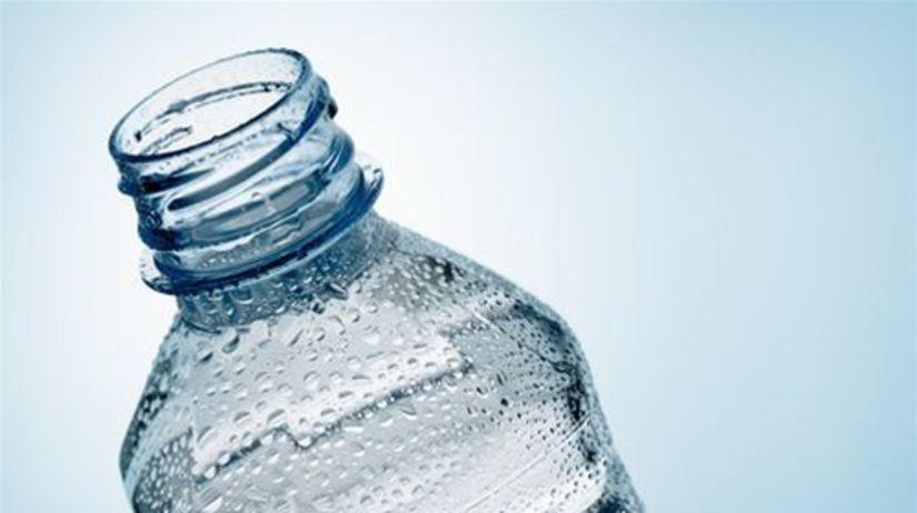 fľaša s vodou - minerálka