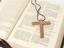 cirkev, kňaz, biblia, omša, kostol, kresťania, kríž, Kristus, Ježiš