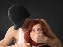 Znásilnenie, prepady: Ako znížiť riziká?