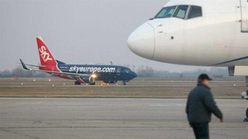 skyEurope, lietadlo, letisko