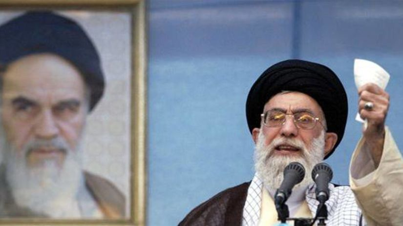 Irán, Chameneí