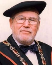 Prof. Traubner