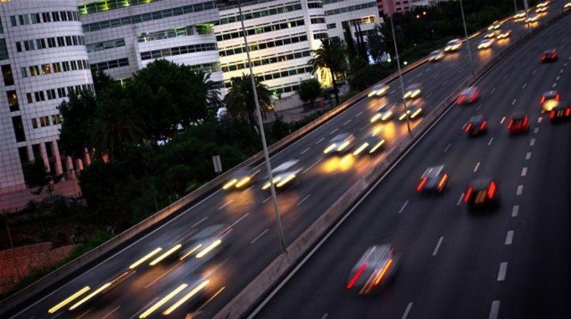 premávka - hluk - zápcha - cesta - diaľnica