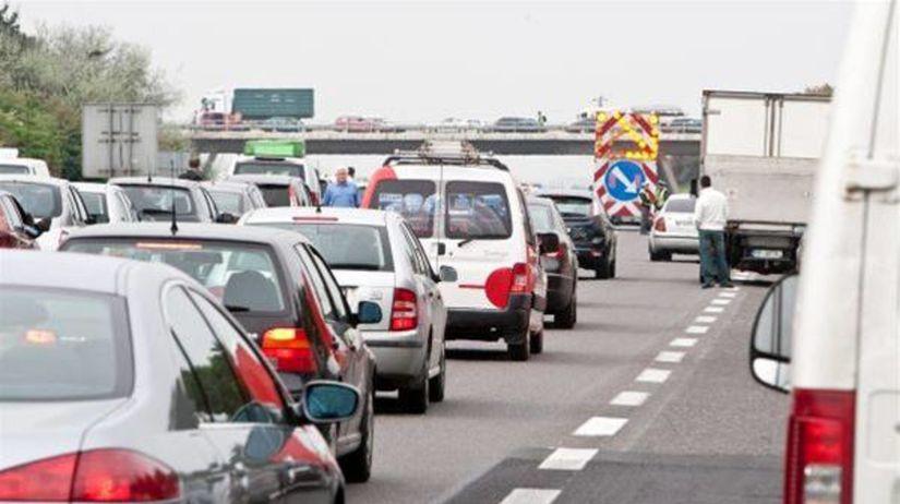 zápcha, diaľnica, doprava, premávka