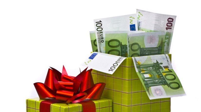 avizko, peniaze, darček, euro, krabica