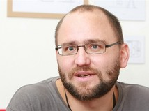 Pri dopravnej nehode zahynul spisovateľ a režisér Peter Krištúfek