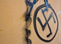 hákový kríž, swastika, nacizmus, fašizmus
