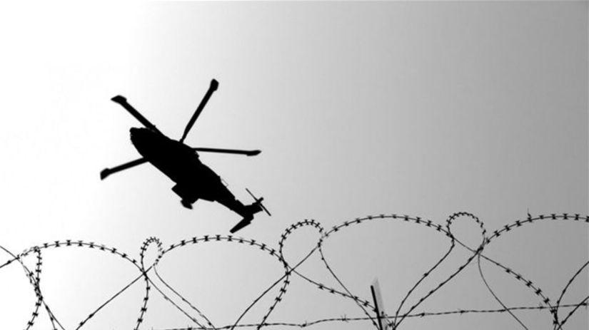 hranica, vrtuľník, ostnatý drôt