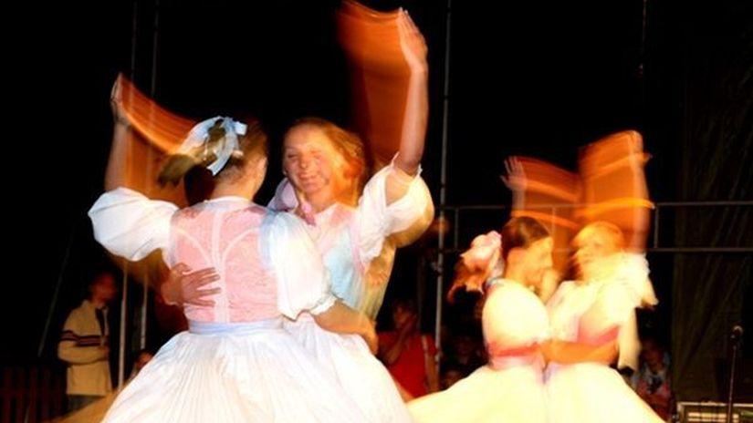 folklór, súbor, tanec, ľudová hudba