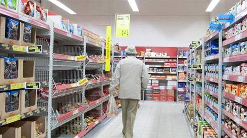 nakupovanie, nákup, potraviny, dôchodca